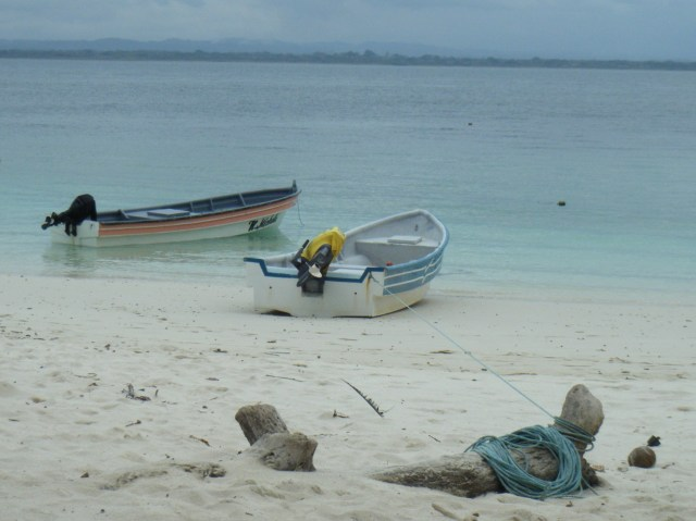 Boats, Isla Iguana.