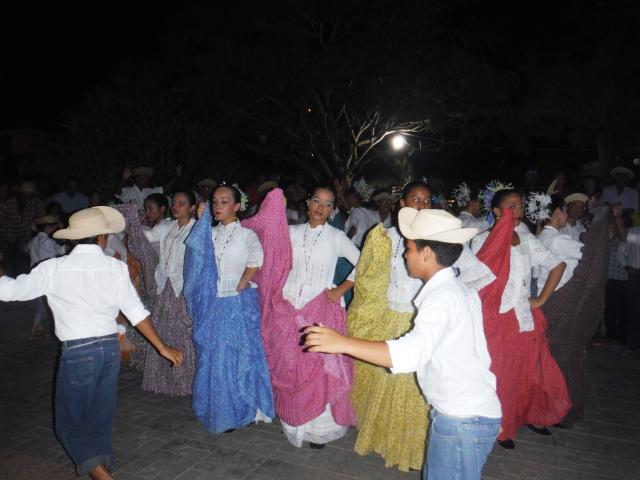 Santa Catalina Tipico Dancers