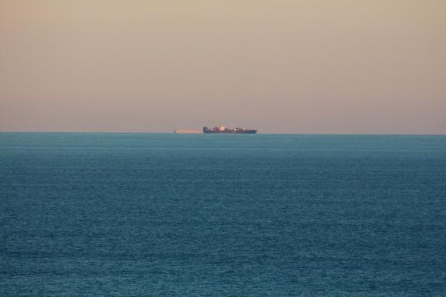 ships 8